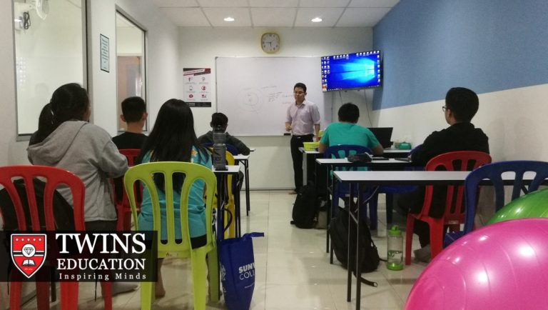 Teacher Chris teaching IGCSE Economics in his tuition class in Subang Jaya USJ. The students enjoyed his IGCSE Economics tuition and have also recommended few friends to attend. Their friends are living in places like Puchong, Shah Alam, Putra Heights and Klang. Some of them join our IGCSE online economics tuition.