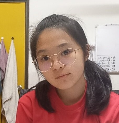 This is Jennifer Tan from QOSMO school. She is a student in TWINS Education taking IGCSE BM Malay tuition and other tuition classes. She lives in Petaling Jaya and sometimes at Shah Alam or Klang for classes.